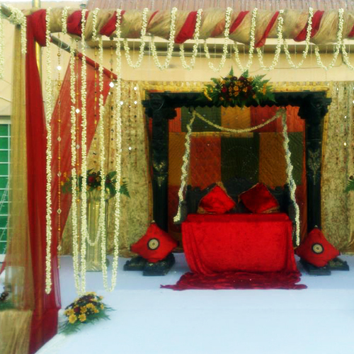 Flower and multicolor bridal theme stage design